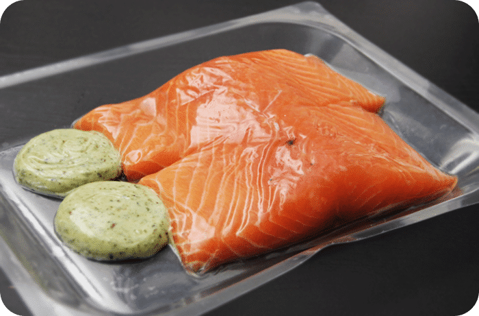 Raw Salmon with Pesto